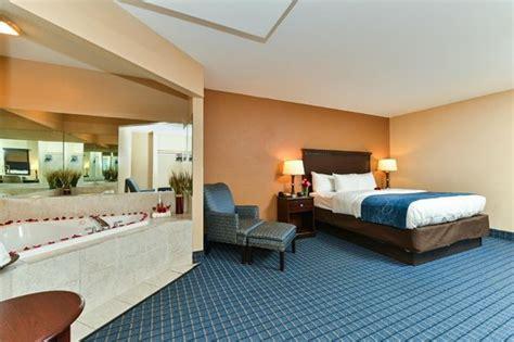 comfort inn jacuzzi room jacuzzi suite picture of comfort suites beaufort