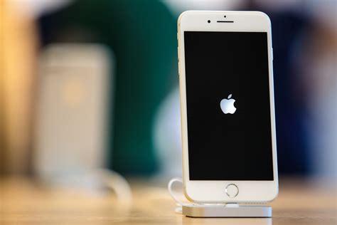 apple admits  slowing  older iphones simplemost