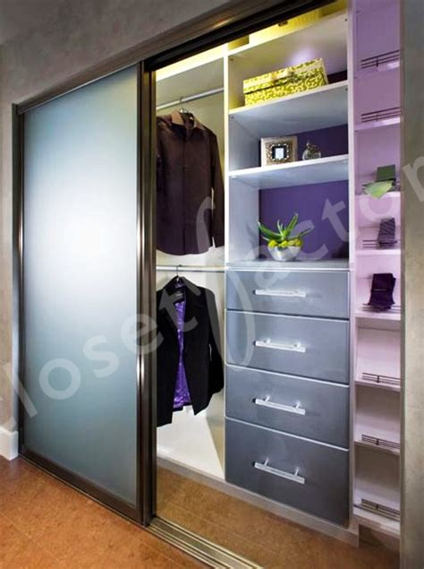 Http Closetorganizers Closetfactory Com Portals 52105 How To Organize A Closet With Sliding Doors