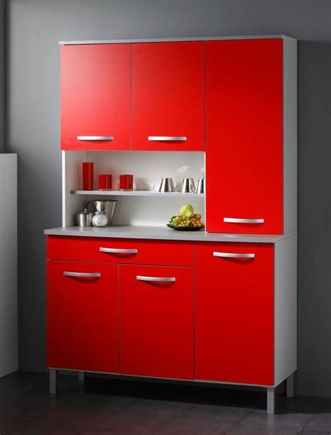 rote und weiße küche kinderzimmer junge wandgestaltung auto