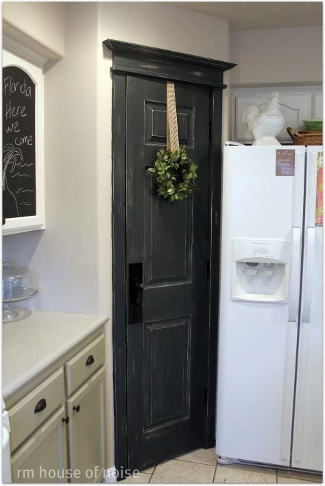 house  noise   boys pantry door remix