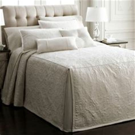 Tailored Bedspreads Lili Bedspreads On Comforter Sets Bedspreads