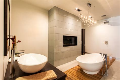 Fireplace In Bathroom Wall by 18 Master Bathrooms With Fireplaces Pictures