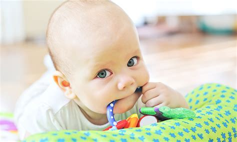 how to comfort a baby how to comfort a teething baby 28 images tips for