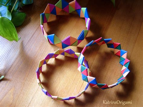 How To Make A Paper Wristband - origami bracelet armband