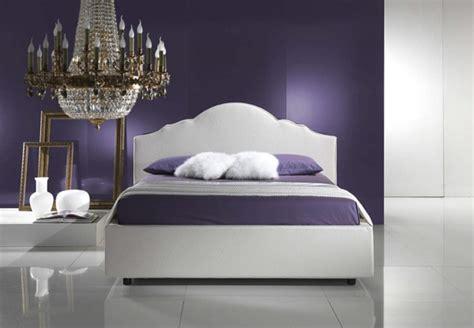aus welchen farben entsteht lila schlafzimmer wandfarbe ausw 228 hlen und ein modernes ambiente