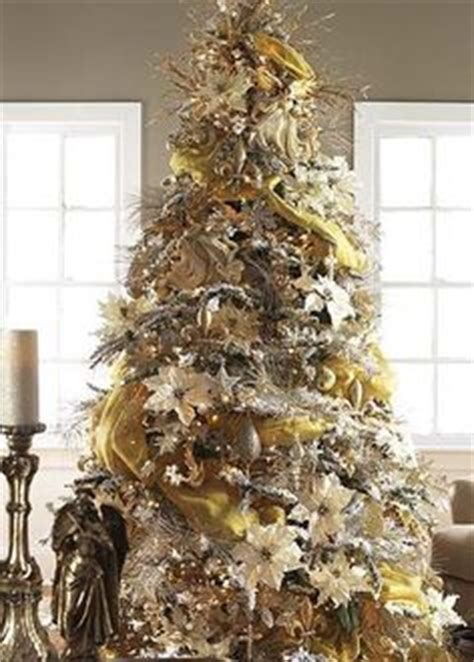 gold ribbons on christmas trees 1000 images about tree gold ribbon on tree toppers tree