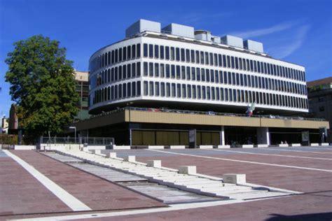 di commercio a roma roma confcommercio imprese pi 249 tassate a roma meno a