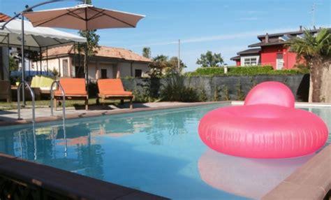 giardini con piscina foto giardino piscina leitv