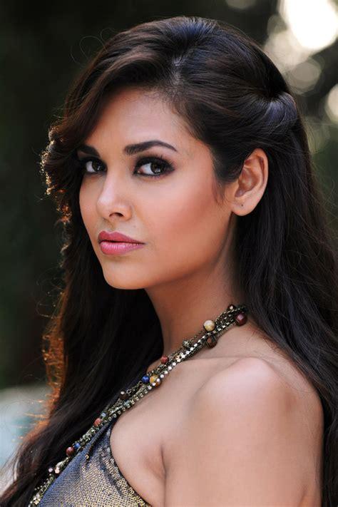 film india heroine raaz 3 latest hot photo gallery a movie book