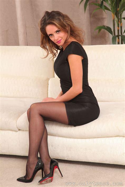 pin  heavenbeauty  dark heels