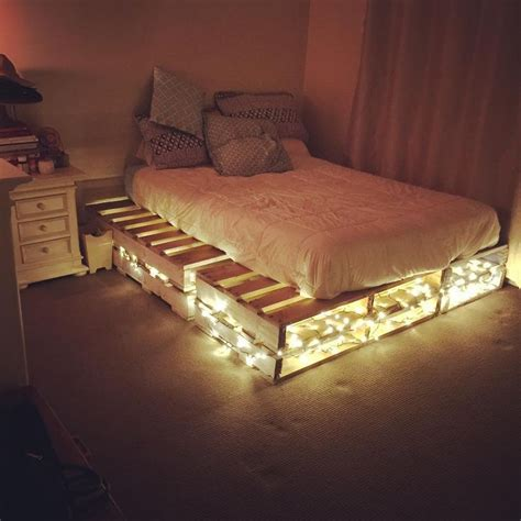 how to build a pallet bed wooden pallet beds ile ilgili pinterest teki en iyi 17 den