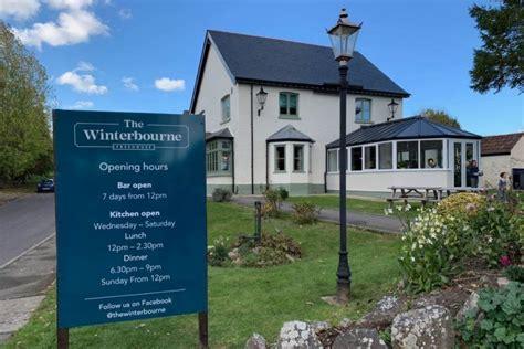 winterbourne winterbourne bassett wiltshire pub   hub