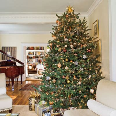 rustic christmas decor southern living christmas tree decorating ideas metallic christmas tree