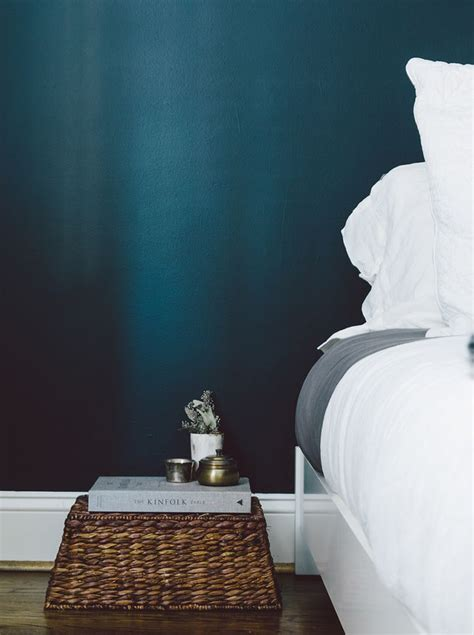 teal feature wall bedroom 25 best ideas about peacock blue bedroom on pinterest
