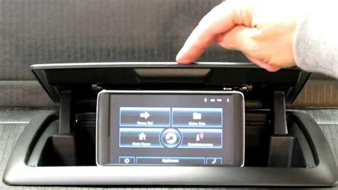 Bmw 1er Cabrio Radio Ausbauen by Bmw 1er Navi Automatik Im Ablagefach Youtube