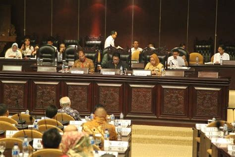 Buku Dewan Perwakilan Daerah Republik Indonesia mekanisme pengelolaan desa dinilai harus akuntabel