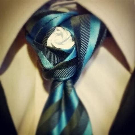 7 Of The Coolest Ties by 25 Best Ideas About Necktie Knots On Tie