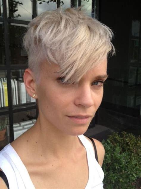 womens hairstyles short top long bottom 1432 best hot lesbian hair images on pinterest pixie