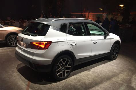 Small Cabin Houses by Seat Arona Orders Now Being Taken For 163 16 555 Nissan Juke