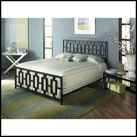 metal size bed frame w headboard