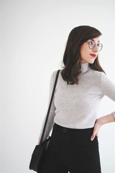 minimalist clothing recommendations for a minimalist fashion blogger icon who