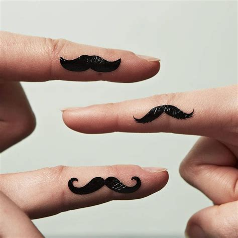 finger tattoo hd auf die finger seiten tattoowieren finger tattoos