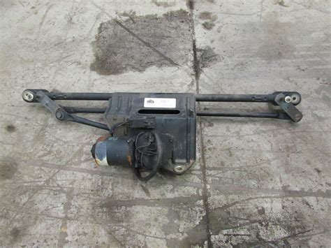 1999 Jeep Wrangler Windshield 1999 Jeep Wrangler Tj Windshield Wiper Motor And