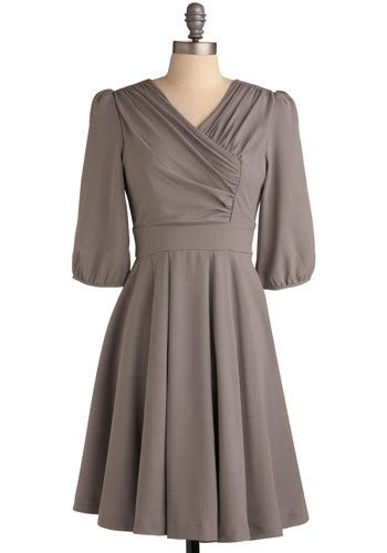 7 Ways To Incorporate 1930s Fashion Into Your Look by Lucky Silver Dollar Dress 7 Ways To Incorporate 1940 S