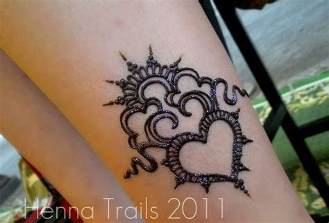 henna tattoo heart best 25 henna ideas on tattoed