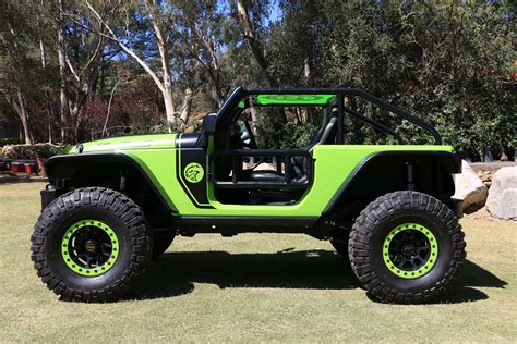 Jeep Wrangler Hp The Wheel Of The 707 Hp Jeep Trailcat Concept