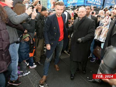 David Beckham So Damn by Beckham Signs With Justin Bieber S Manager Tmz