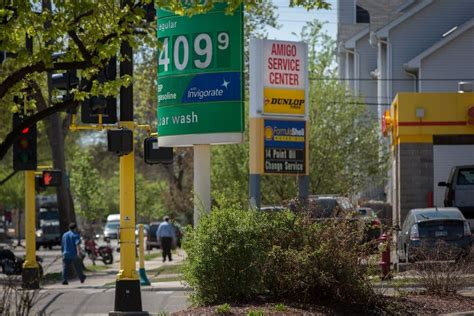 minnesota gas prices ill refineries spur mn gas price rise minnesota