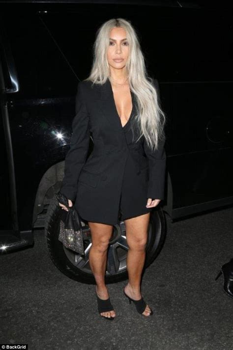 kim kardashian blonde hair daily mail kim kardashian returns to blonde hair for her wedding