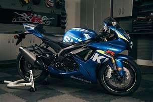 Suzuki Moto 2015 Suzuki Gsx R 750 Pics Specs And Information
