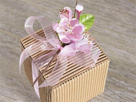 mazzolino di fiori mazzolino di fiori di pesco decorativo con foglie 56 21