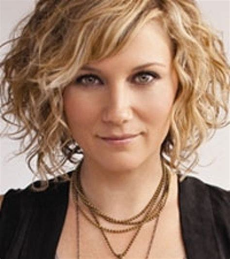 hairstyles of the 30 and 40 medium wavy hairstyle summer haircuts for women over 30