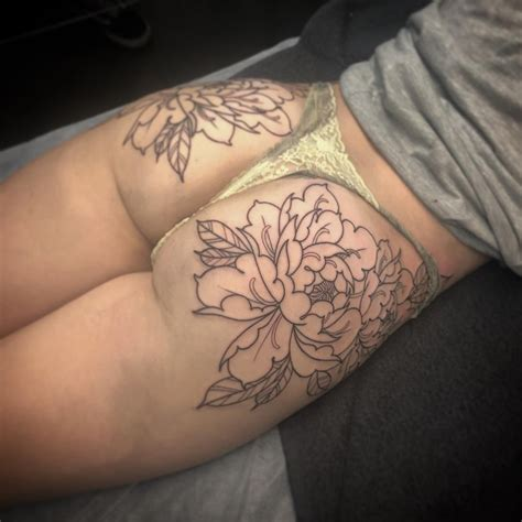 rose tattoo on bum bum bumtattoo flowers tattoos