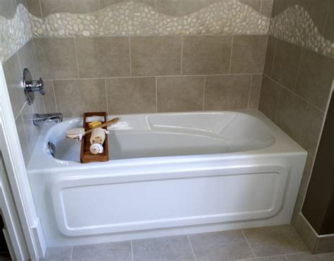 bathtub for small space 8 soaker tubs designed for small bathrooms small bath