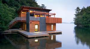 600 Sq Ft chic muskoka boathouse will have you longing for the
