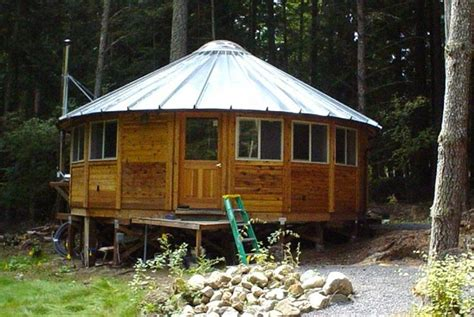 yurt house smiling woods yurts country pinterest metals metal