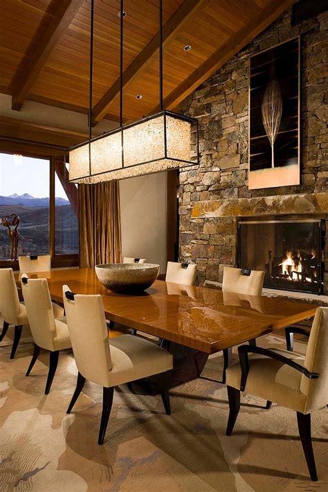 Coastal style dining