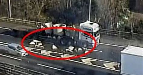 M6 Sheds by Jams On M6 After Lorry Sheds Concrete Blocks On Slip