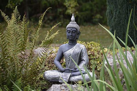 terrasse zen avec bouddha id 233 es et conseils pour cr 233 er une ambiance zen au jardin