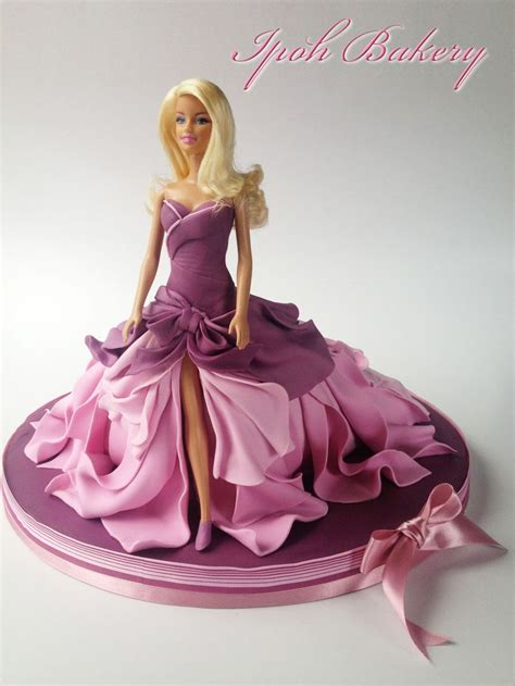 barbie fondant cake birthday cakes a different take on the barbie doll cake