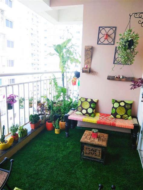 beautiful Apartment Balcony Decorating Ideas #1: aeeb5f420e0a390933d077db61f9b243.jpg