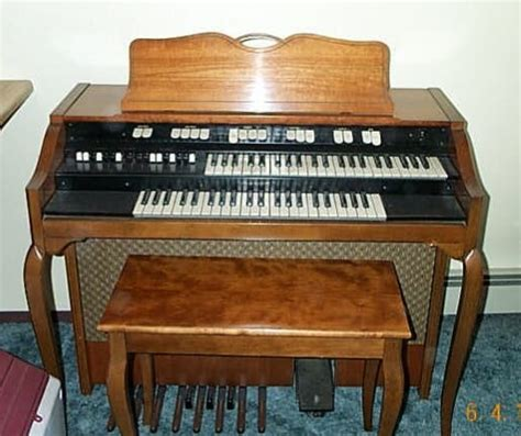 Organ L by Middle C In Spinet Organ