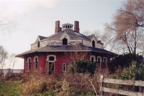 octagonal houses 17 best ideas about octagon house on steunk house houses and abandoned