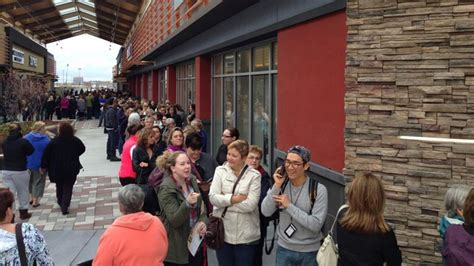Tanger Gift Card 50 For 25 - thousands rush to tanger outlets opening in kanata ctv ottawa news