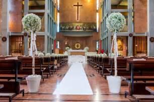 dekoration kirche hochzeit kirchendeko f 252 r die hochzeit tipps ideen infos